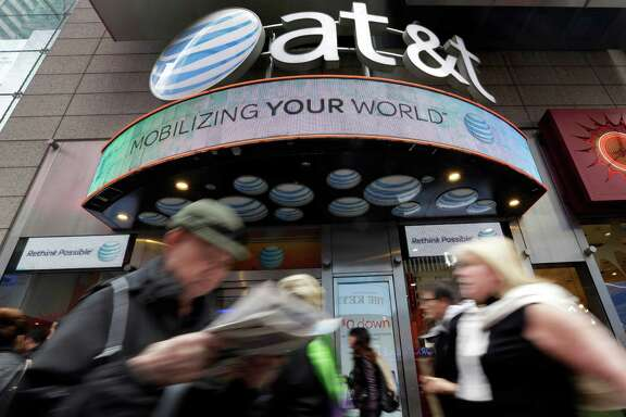 The FTC claims millions of AT&T smartphone customers were misled about Web data speeds.