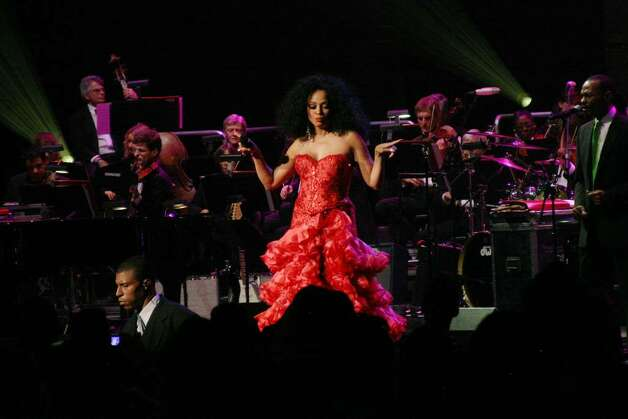 "NEW YORK - MAY 04:  Singer Diana Ross performs onstage at the ""Divas With Heart"" Concert at Radio City Music Hall in New York City.  (Photo by Roger Kisby/Getty Images) Photo: Roger Kisby, Getty Images / 2008 Getty Images"
