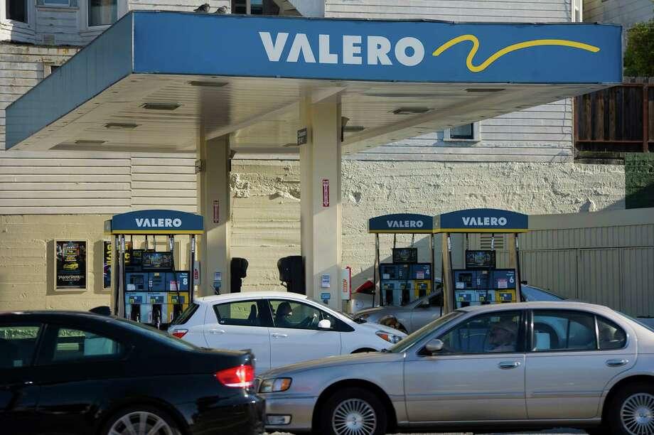 Valero fuel rebates planned - San Antonio Express-News