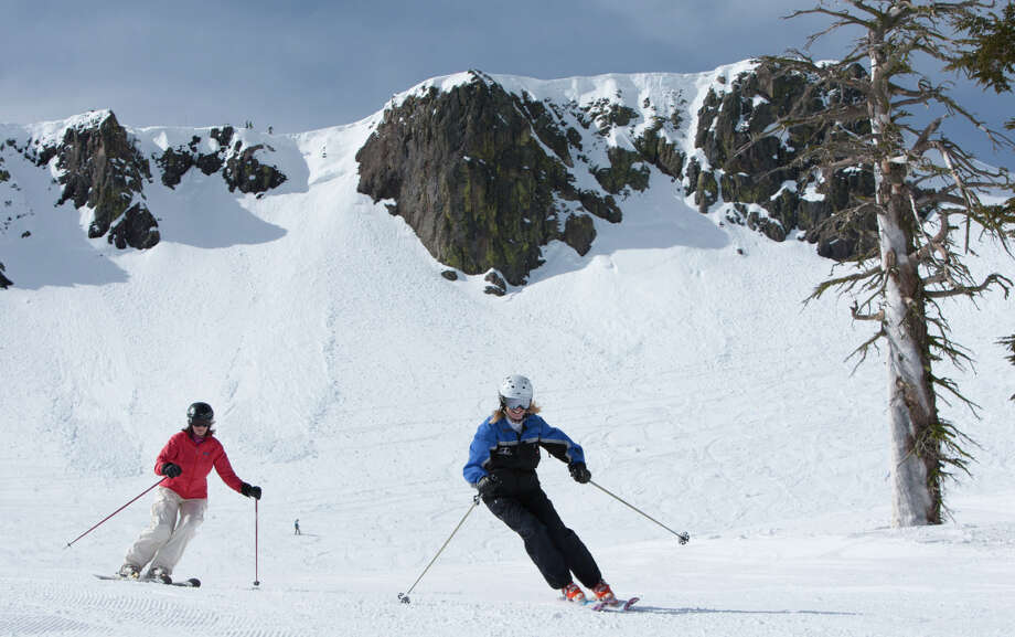 Women of Winter camps give skiers the chance to not only test their skills, but build them as well at Squaw Valley and Alpine Meadows. Photo: Squaw Valley | Alpine Meadows / ONLINE_YES