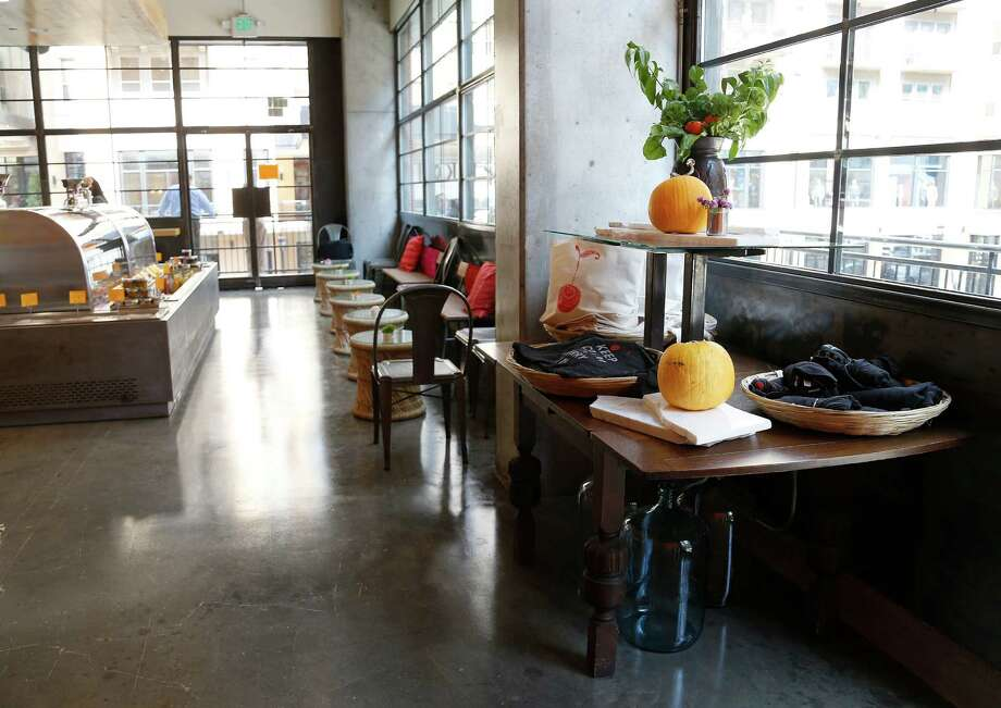 Jaisinghani's Bake Lab, like Pondicheri and Indika, is stylish, warm and modern. Photo: Karen Warren, Staff / © 2014 Houston Chronicle