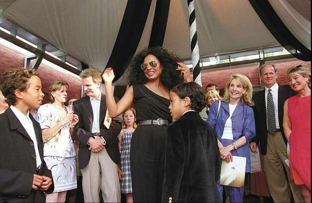 Greenwich, May 31, 1998.  Singer and Greenwich resident Diana Ross greets the crowd after her benefit concert at Greenwich Academy.  Photo/Helen Neafsey color. Photo: File Photo / Greenwich Time File Photo