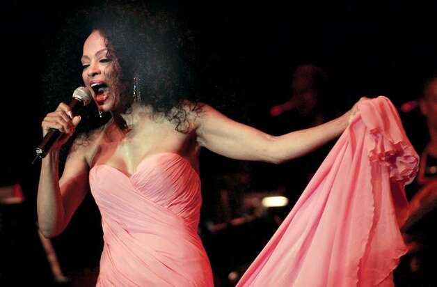 6-24-2004, ROGER SHERMAN BALDWIN PARK, GREENWICH, Diana Ross performs during her Arch Street Teen Center Benefit Concert at Roger Sherman Baldwin Park, Greenwich.......PHOTO/LUCKEY.....COLOR..... Photo: File Photo / Greenwich Time File Photo