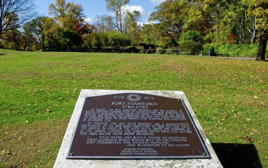 A plaque marks the location of Fort Stamford on Westover Road in Stamford, Conn., on Thursday, October 30, 2014. Photo: Lindsay Perry / Stamford Advocate