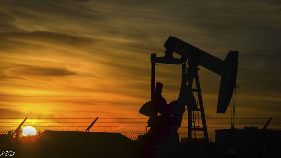 Royal Dutch Shell is said to be negotiating to acquire Endeavor Energy Resources.>>>PHOTOS: Roughnecks through the years... Photo: KBazin, Getty Images/iStockphoto