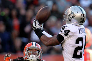 Raiders' Charles Woodson thriving under Tony Sparano - Photo