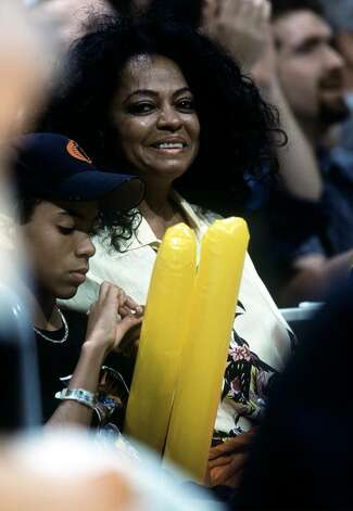 386735 02: Singer/actress Diana Ross attends the Boston Celtics/Los Angeles Lakers basketball game at the Staples Center March 13, 2001 in Los Angeles, CA. (Photo by Jeff Gross/Allsport/Newsmakers) Photo: Jeff Gross, Getty Images / Getty Images North America