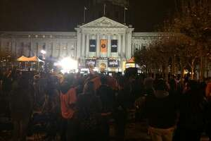 Thousands already packing San Francisco for Giants parade - Photo