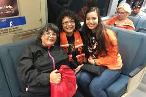 Giants parade: Fans begin dicey commute home - Photo