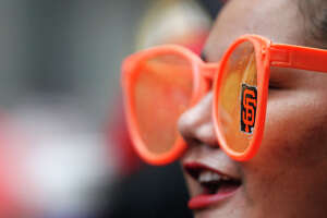 Thousands packing San Francisco for Giants World Series parade - Photo