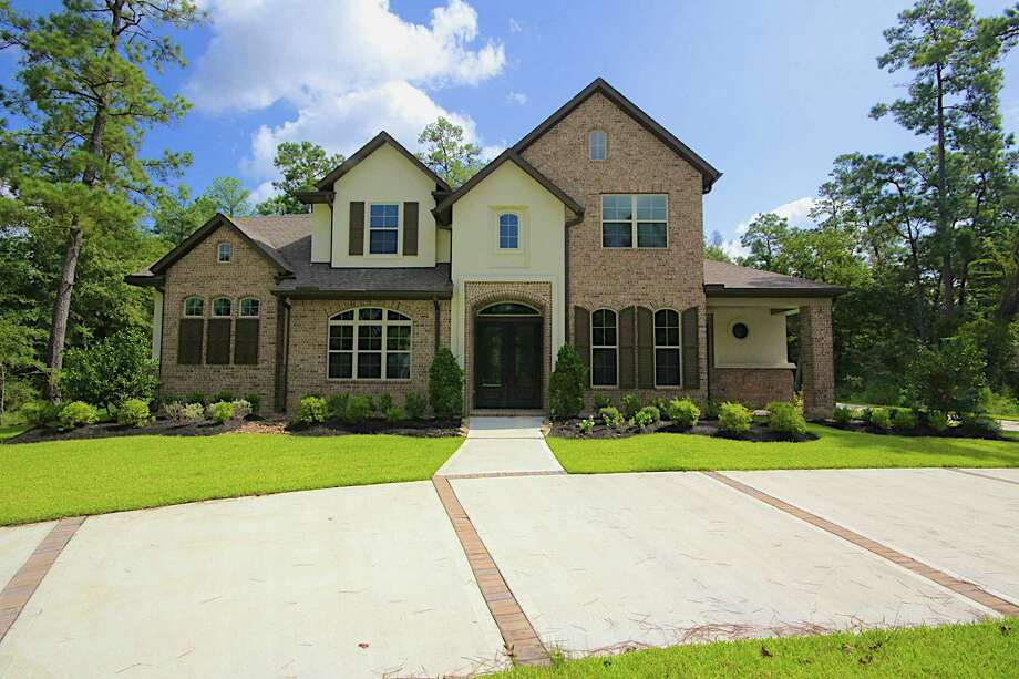 David Weekley Homes has three custom homes ready for move-in in Benders Landing, an acreage community in Spring. The community is five miles to the ExxonMobil campus, and is in proximity to shopping, dining and entertainment at The Woodlands Mall.