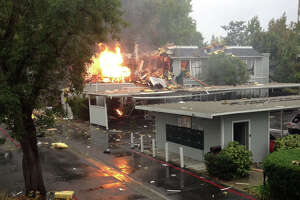 Walnut Creek apartment explodes, 2 injured, 1 missing - Photo