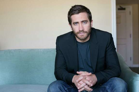 """Jake Gyllenhaal lost 40 pounds for his role in """"Nightcrawler."""""""