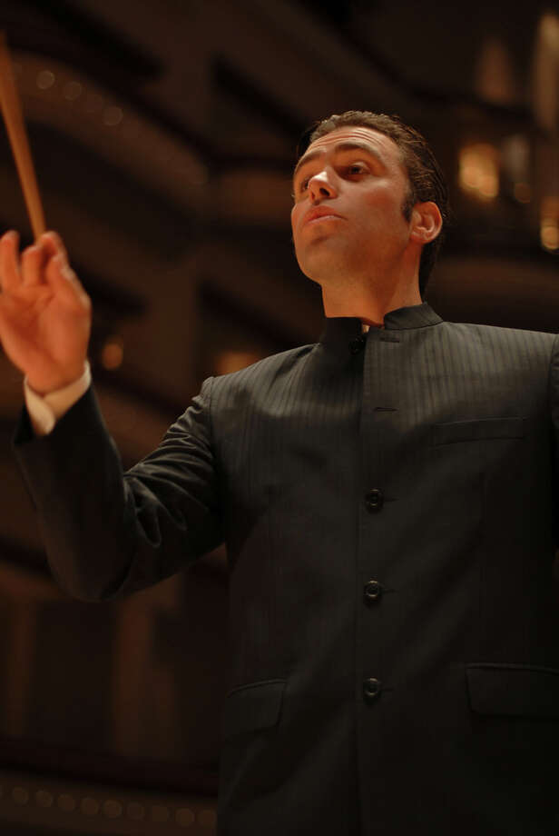 Jacomo Rafael Bairos will be the guest conductor at the Greater Bridgeport Symphony's Nov.15 concert. Photo: Contributed Photo / Connecticut Post Contributed