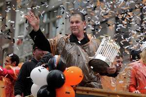 Heroes showered with adoration at S.F. Giants World Series parade - Photo