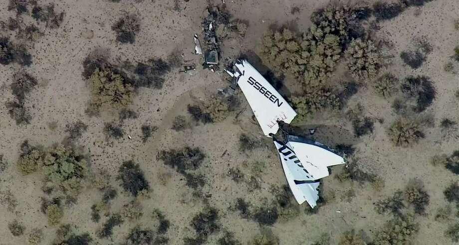SpaceShipTwo fell into Southern California's Mojave Desert on Friday. Photo: HONS, TEL / KABC-TV