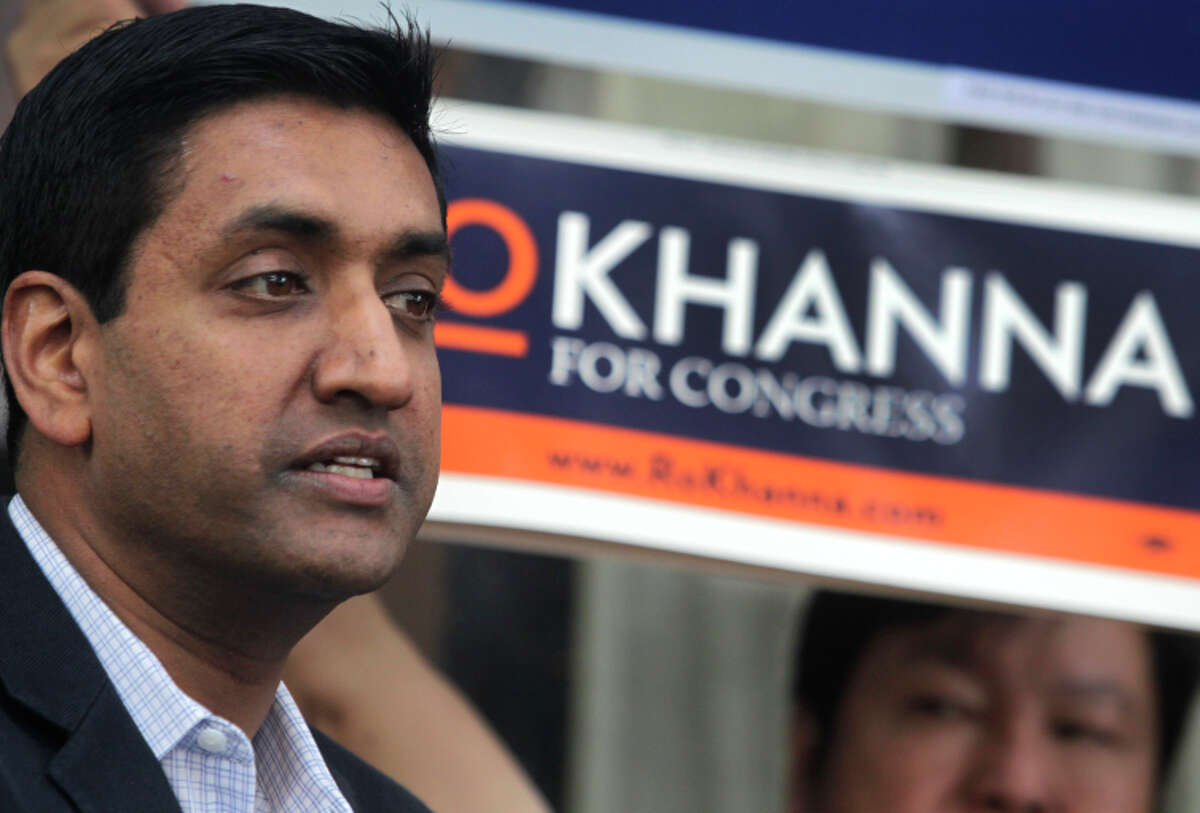 House candidate Ro Khanna addresses campaign volunteers before they go door-to-door in Fremont.