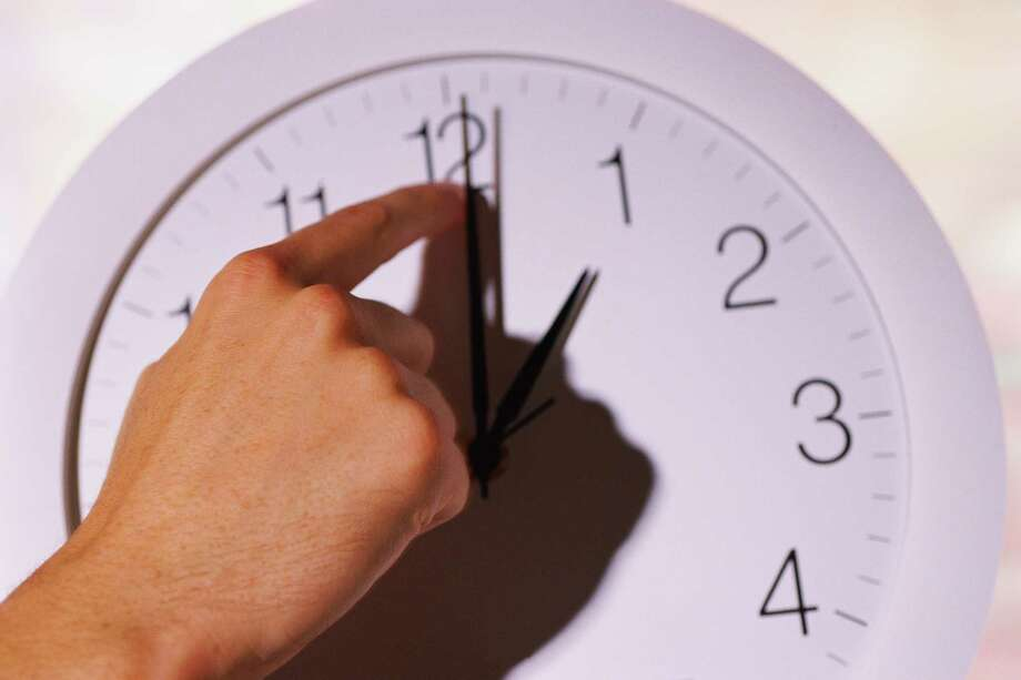 Turn back clocks one hour tonight as Daylight Saving Time takes a winter break. Photo: Getty Images