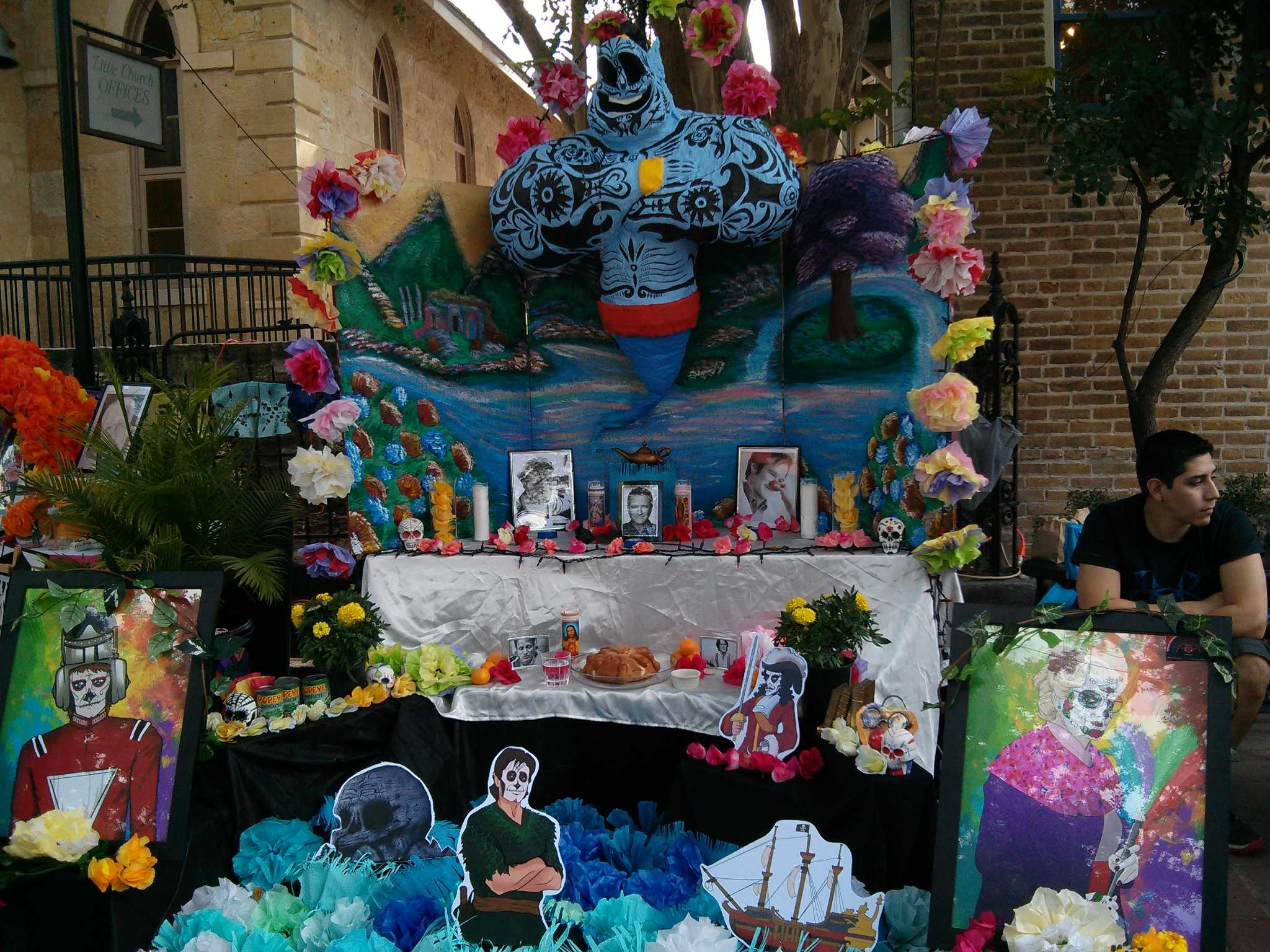 Tribute Altar To Robin Williams Found At Dia De Los