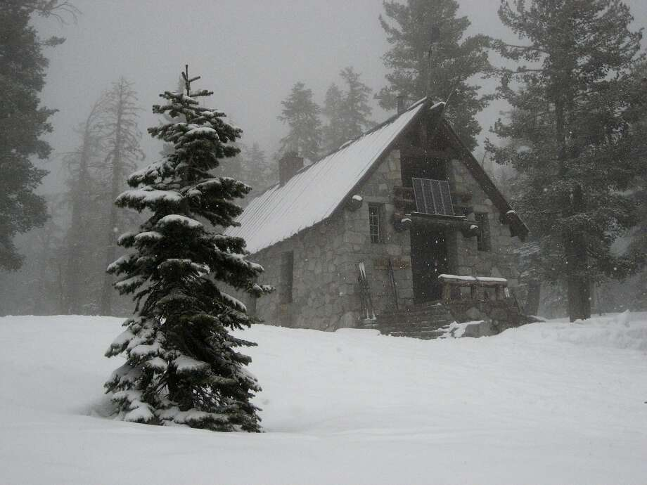 The Ostrander Hut provides a destination for a 10-mile cross-country ski trek from Badger Pass in Yosemite National Park. Photo: Yosemite Conservancy