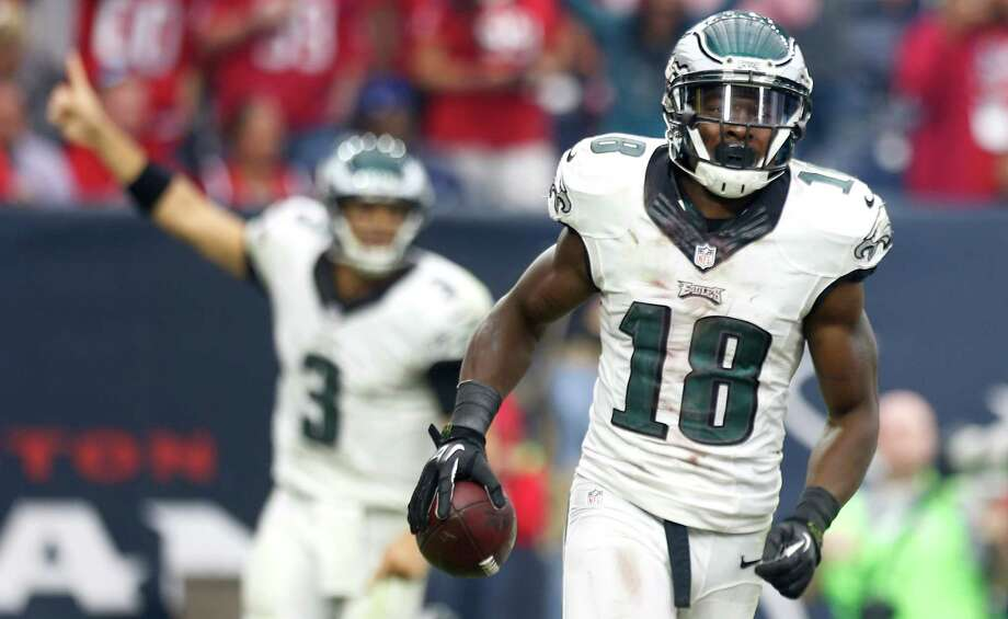 Whether with Nick Foles or Mark Sanchez (3) at quarterback, the Eagles knew it was wise to get the ball in the hands of wide receiver Jeremy Maclin. Photo: Brett Coomer, Staff / © 2014  Houston Chronicle