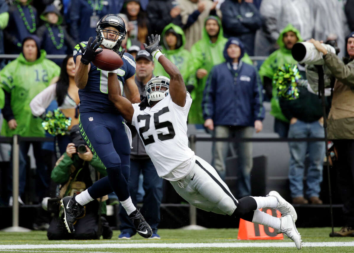 DJ Hayden breaks up a first-quarter pass intended for Jermaine Kearse, but was called for pass interference.