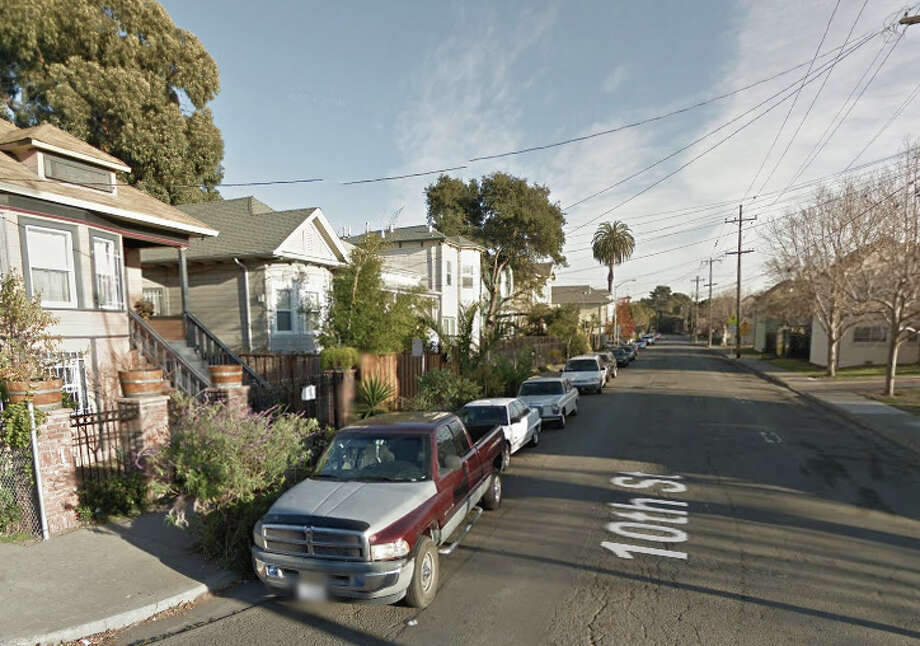 A man was fatally shot at his house on the 1600 block of 10th Street in West Oakland on Nov. 2, 2014. Photo: Google Maps