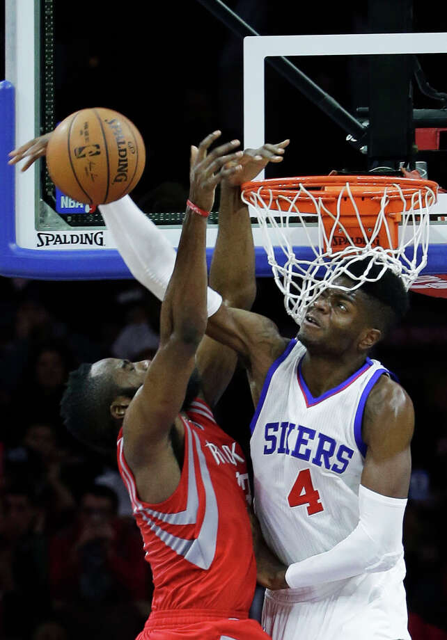 Nerlens Noel, right, was traded from the 76ers to the Mavericks on Thursday. Photo: Matt Slocum, Associated Press / AP