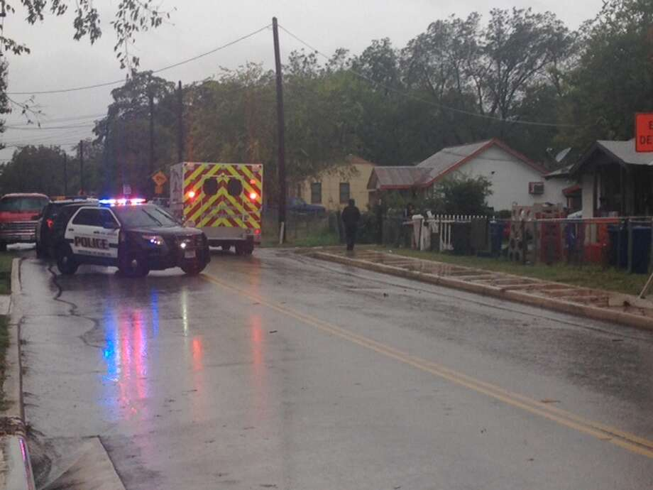San Antonio police are currently responding to a shooting on the South Side. Photo: Mark D. Wilson/San Antonio Express-News