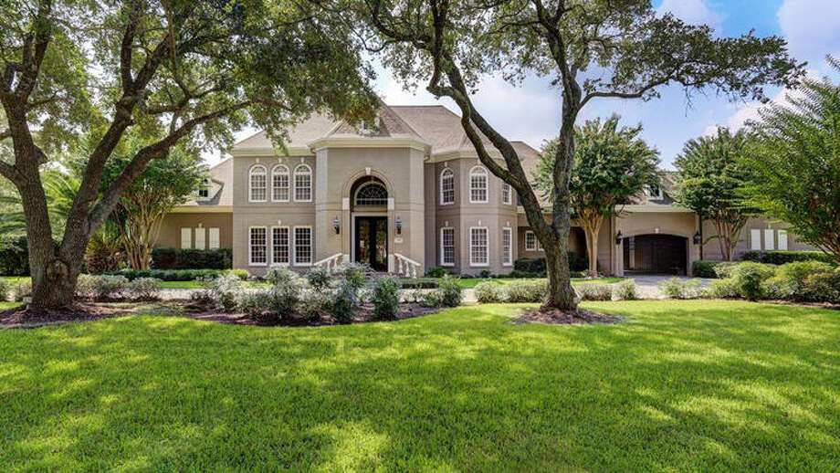 Former Astros player Carlos Lee recently sold his mansion in Sugar Land. The 9,117-square-foot home went for $1.56 million.Source: RedFin Photo: Los Angeles Times