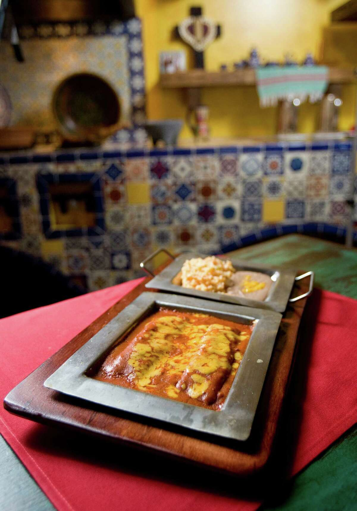 Sylvia's Enchilada Kitchen's Enchiladas Refugio plate, shown Thursday, May 28, 2009, in Houston. ( Nick de la Torre / Chronicle )