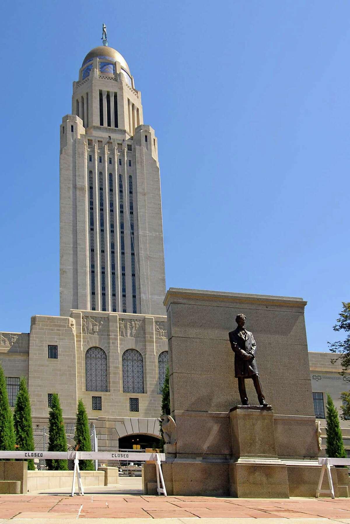 19. Lincoln, Nebraska Population: 269, 726 LivScore: 660Civic: 63 Demographics: 45 Economy: 70 Education: 72 Health: 67 Housing: 80 Infrastructure: 54