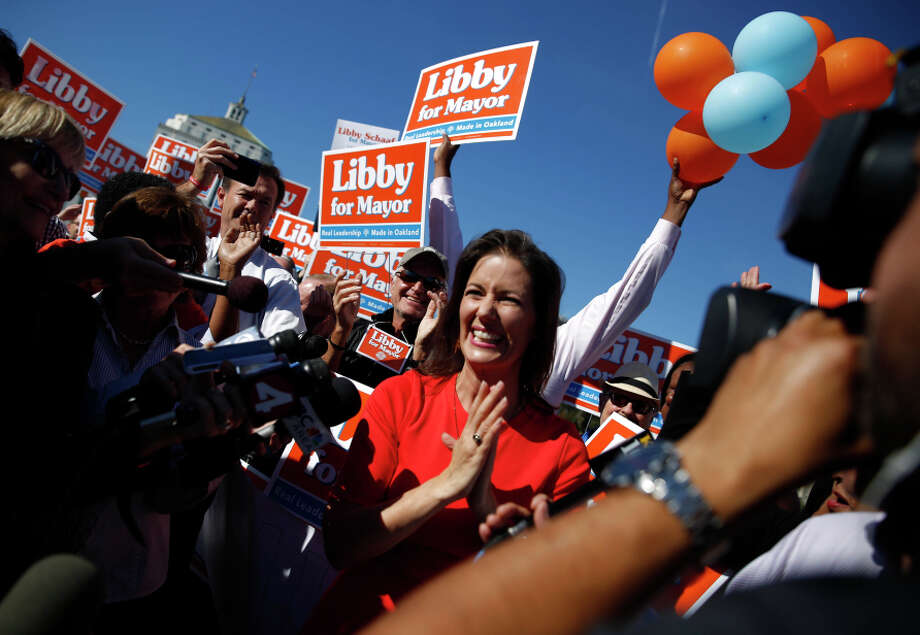 Schaaf, clear winner of the ranked-choice vote, celebrates with supporters at Lake Merritt the day after the election. Photo: Lea Suzuki / The Chronicle / ONLINE_YES