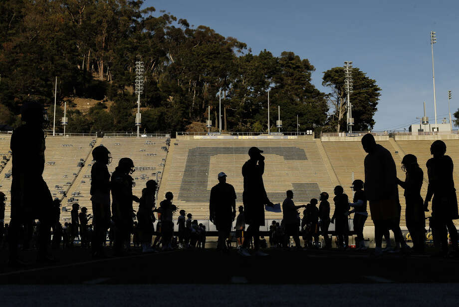 UC Berkeley ranks at the bottom of black athlete graduation rates for all California universities studied. Photo: Carlos Avila Gonzalez / The Chronicle / ONLINE_YES