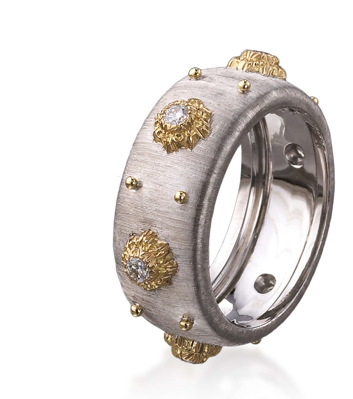 The Italian luxury jewelry house of Buccellati has opened a boutique within Gump's, bringing a selection of distinctive looks to Bay Area shoppers.