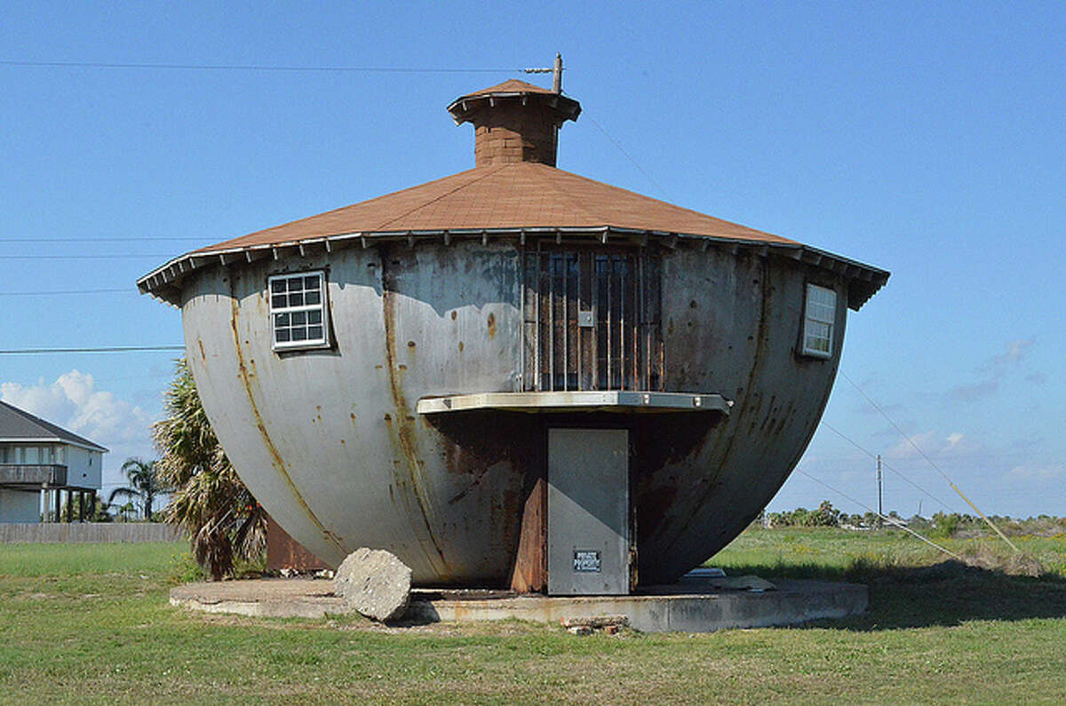 The Kettle House in Galveston. >>>See other odd Houston-area homes.