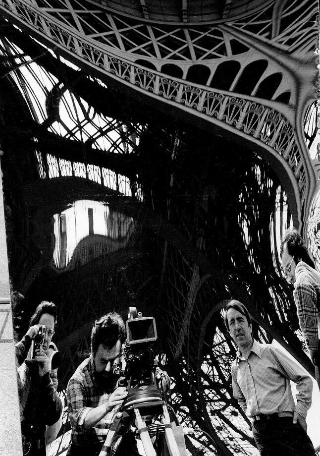 Photo by Clovis Prévost « 8500 tonnes de fer dans le miroir », gelatin silver print, 1971 Photo: Clovis Prévost / ONLINE_YES