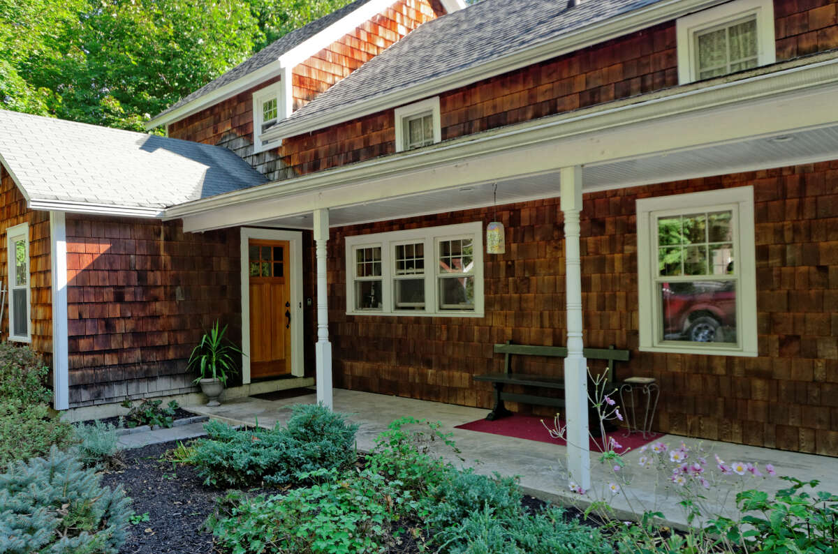 House of the Week: 251 Van Wies Point Rd., Glenmont | Realtor: Tracey Slupski of Keller Williams Realty | Discuss: Talk about this house