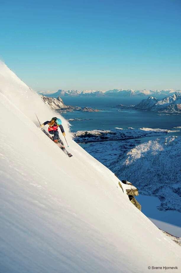 Kaylin Richardson - Norway ( Sverre Hjornevik / Warren Miller Entertainment ) Photo: Sverre Hjoernevik / www.sverrehjornevik.com