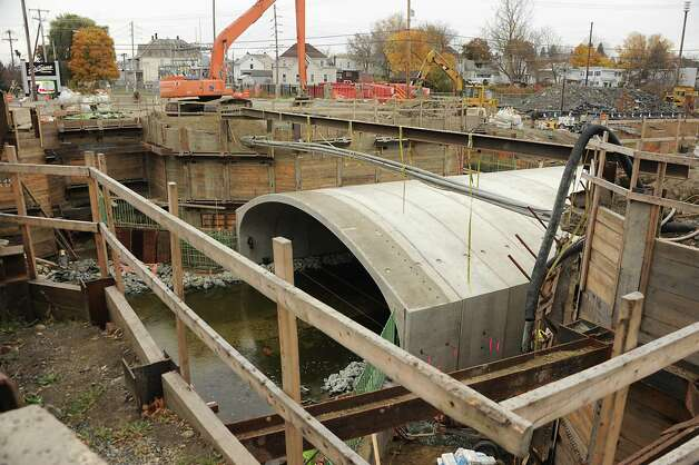 Construction work continues on the bridge on South Central Ave. Rts. 4 and 32  on Thursday, Nov. 6, 2014 in Mechanicville, N.Y. (Lori Van Buren / Times Union) Photo: Lori Van Buren