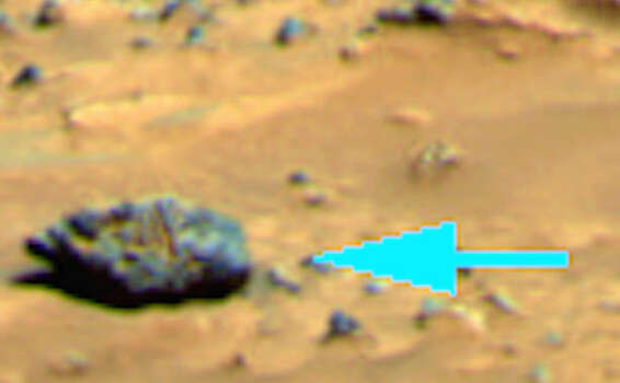 A statue on Mars?UFO Sightings Daily believes this formation looks like a statue head looking up, with its chin and lips to the far left, and nose, eyes and forehead to the right.Check out these other weird oddities spotted on the surface of Mars including strange lights, a cross and even a cat ... Photo: NASA