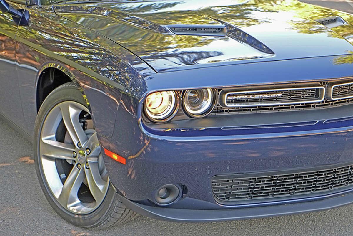 2015 Dodge Challenger SXT Plus (photo © Dan Lyons)