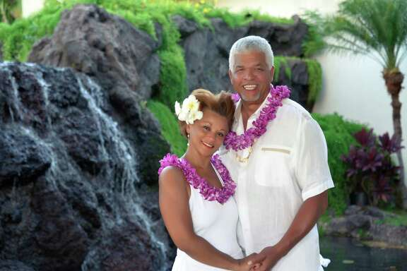 Houstonians Wanda and Oliver Sprott Jr. renewed their wedding vows during a ceremony in Maui, Hawaii.