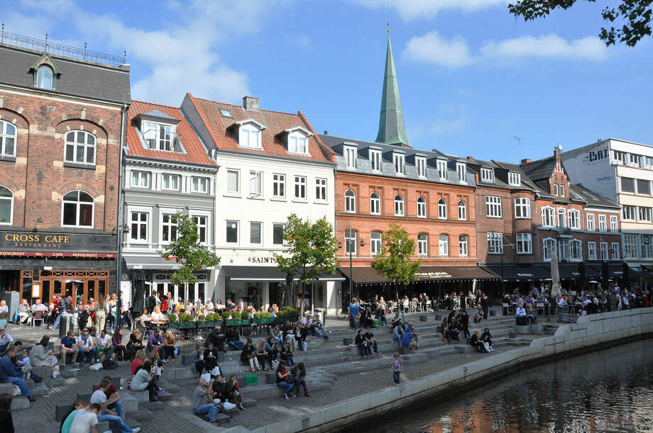 The canal zone in Aarhus is a pedestrian-friendly place to get a bite to eat. Photo: Cameron Hewitt / Rick Steves' Europe