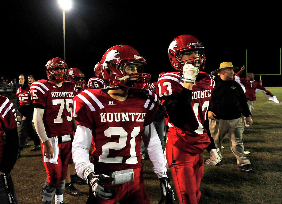Kountze's variety reacts as the first ha;f draws to an end with them in a comfortable lead over Anahuac during Friday's game at Kountze High School. Photo taken Friday, November 7, 2014 Kim Brent/@kimbpix Photo: KIM BRENT / Beaumont Enterprise