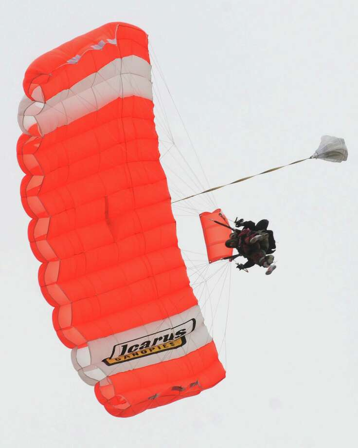 100 Year Old Skydiver Houston Chronicle