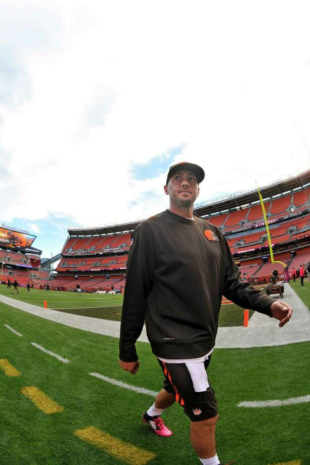 After beating out Johnny Manziel for the starting job in the preseason, Brian Hoyer has played well for the AFC North-leading Browns, who are 6-3 going into Sunday's game with the Texans in Cleveland. Photo: David Richard, FRE / FR25496 AP