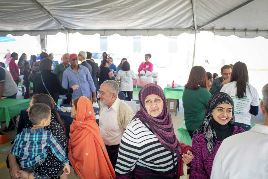 The Ibn Sina Community Medical Center hosted a health fair Sunday in which Muslim and Jewish doctors collaborated to provide free medical screenings. Photo: Eric Kayne / Eric Kayne