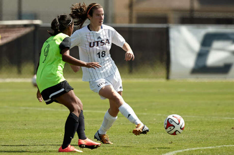 Helotes native Anissa Munson has been named a second-team Conference USA All-Academic selection. Photo: Courtesy UTSA Athletics