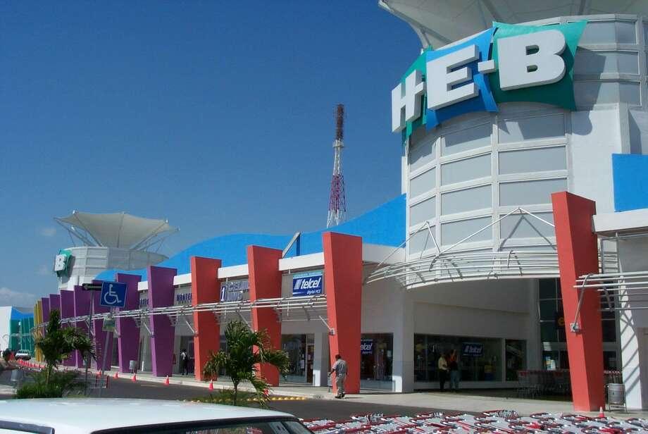 Tampico: H-E-B store in Mexico. Photo: Courtesy Mitchell Design Group,  LLC